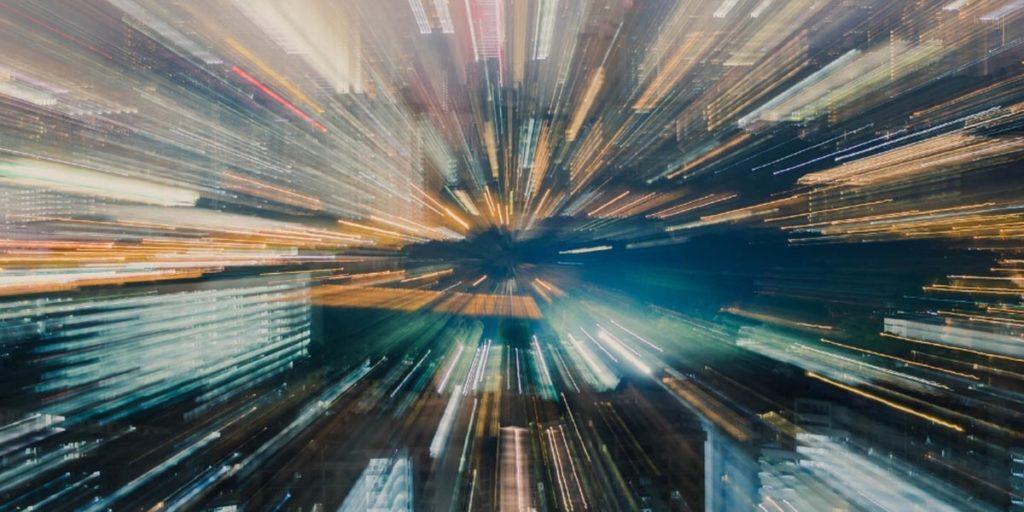 La rápida aceleración de la velocidad