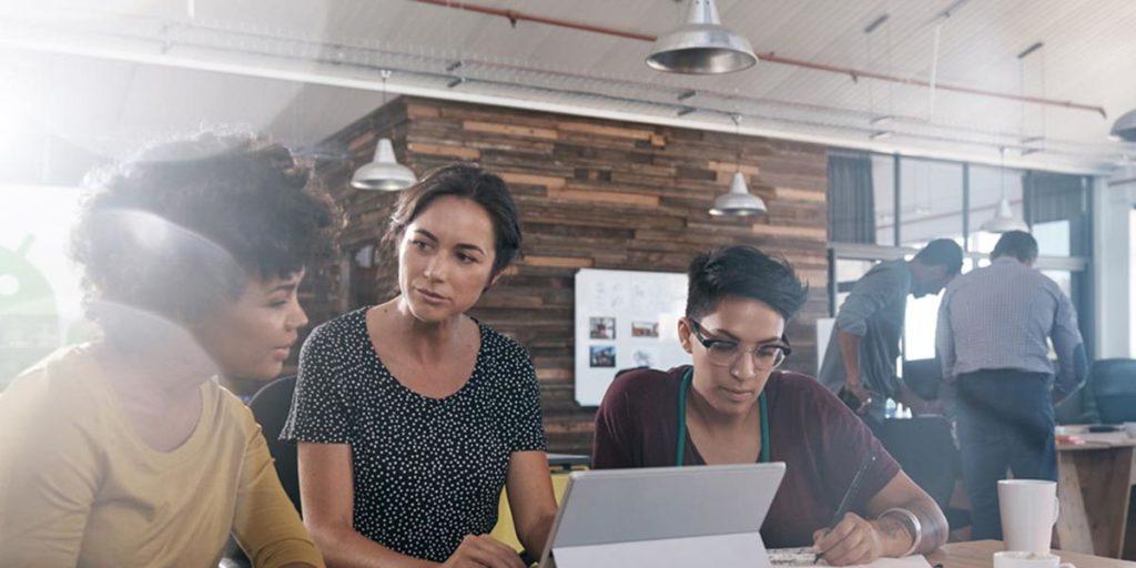 Cómo el software de gestión aumenta la productividad de tus equipos